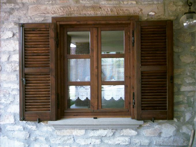 Infissi finestre in legno catania palermo - Aeratore termico per finestra ...